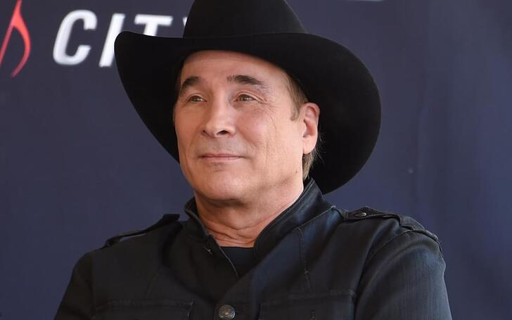 Clint Black is the subject of plastic surgery through before and after pictures.