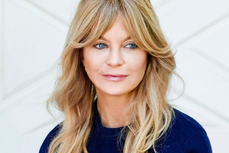 Goldie Hawn's Multiple Plastic Surgery Procedures is Puzzling Her Fans!