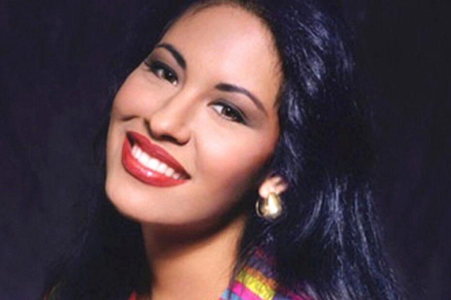 Selena Quintanilla's Plastic Surgery is Trending on the Internet