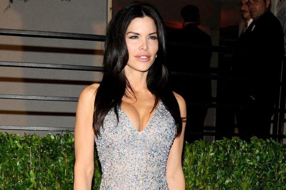 Lauren Sanchez's Plastic Surgery - Botox, Facelift, Breast Implants & Lip Fillers!