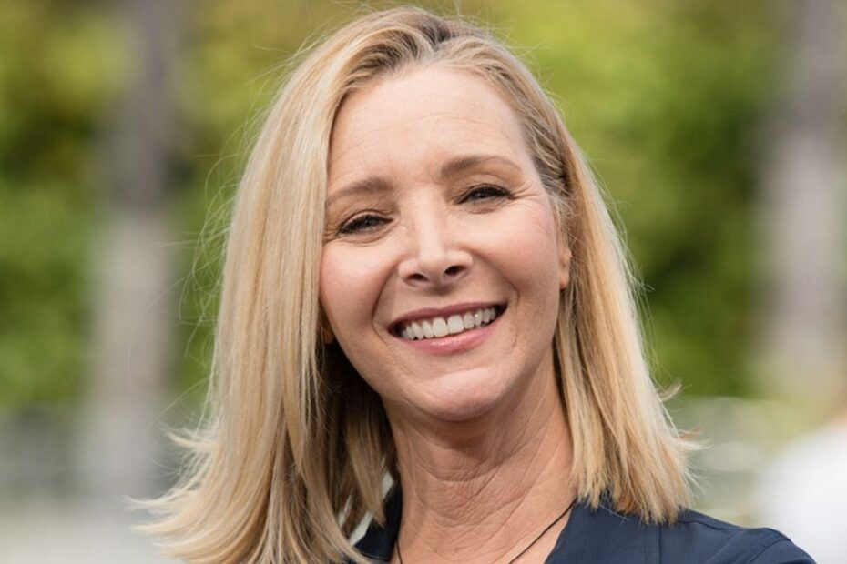 'Friends' Star Lisa Kudrow's Plastic Surgery - The Untold Truth!