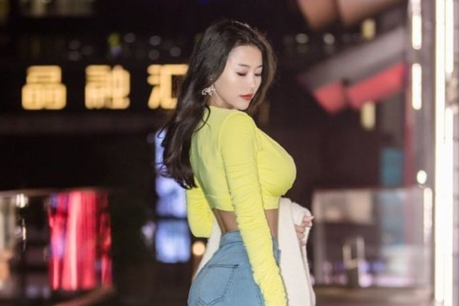 TikToker Echo Yue's Plastic Surgery - Breast Implants, Butt Lift, Botox, Fillers & More!